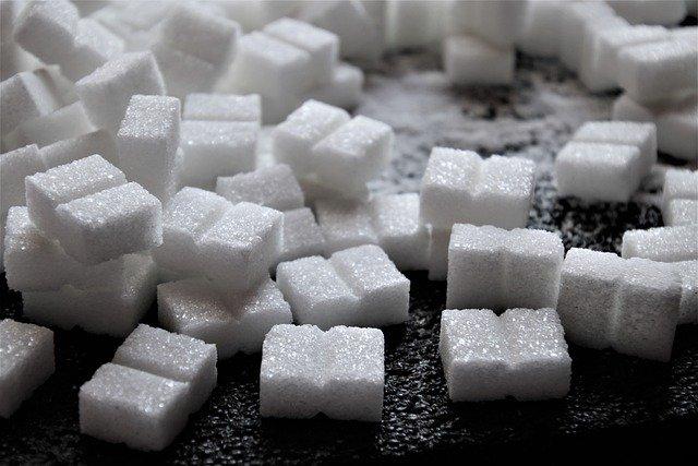 砂糖 過剰摂取はカルシウム不足の原因になる