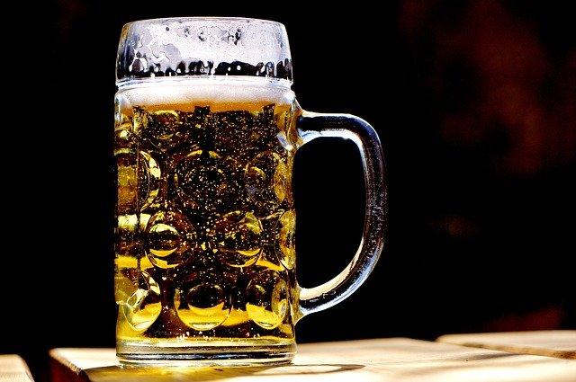 ビール 原料がコーンの場合 遺伝子組み換え 可能性大