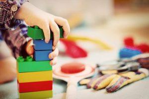子供のおもちゃは 塩化ビニール製 を買わない