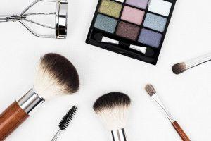 化粧品の安全性をしっかり確認